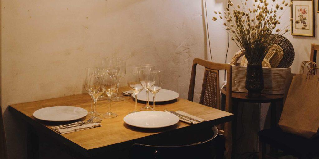 La Carbonera: bar de quesos, vinos y otros manjares